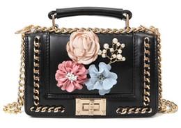 868184b26 2019 mulheres novo tecido cadeia contraste cor flor pérola pequena praça  saco ombro pendurado mulinhua33
