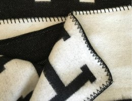 Letra H Manta de cachemira Crochet Lana suave Bufanda Mantón Portátil Cálido Sofá cama Cama de punto Toalla de tiro Cabo Rosa Manta.