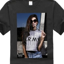 $enCountryForm.capitalKeyWord Australia - Men Summer Short Sleeves Sexy Girl Model Bubble Gum Hipster Pin Up Hba New T Shirts Unisex Funny Tops Tee 056 Basic Models