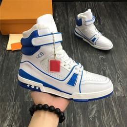 Venta al por mayor de Las últimas botas de zapatillas de cuero para hombre, zapatillas de deporte de cuero Zapatillas de baloncesto para hombre Moda primavera-verano 2019 Colección Hombre Zapatos