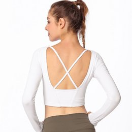 $enCountryForm.capitalKeyWord UK - 2018 New Women Long-sleeve Yoga T-shirt Fashion Female Back Cross-sports Workout Clothes Short T-shirt Women with Chest Pad