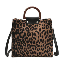 Tote Bags Compartments Canada - New Style Girls Leopard Pattern Top-handle Bag Ladies Fashion Large Casual Totes Shoulder Bag Female Handbags For Women