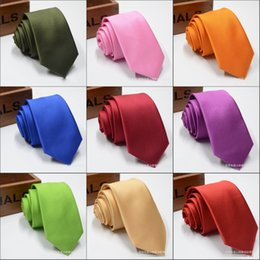 Venta al por mayor de Corbata de rayas de color puro Oblicuo para hombre Corbatas clásicas Boda formal Negocio Corbata de raya rosa para hombre Accesorios para corbatas Novios