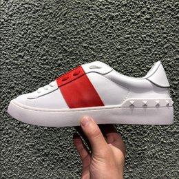 $enCountryForm.capitalKeyWord NZ - Wholesale cheap and comfortable casual designer shoes ladies men classic low cut red stitching white leather open casual shoes