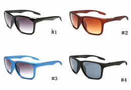 Wholesale nice tops for women for sale - Group buy MOQ sunglasses for men top luxury nice quality brand classic popular goggle eyewear fashion designer sports sun glasses