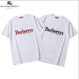 858304d47 Hombres Mujeres Camiseta de Verano 2019 Marca de Ropa de Moda Carta Impresa  Manga Corta Calle Estilo Británico Tops Casual Tees Bordados