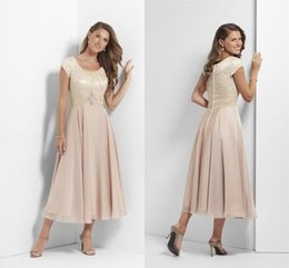 chocolate green tea 2019 - Champagne Tea Length Long Modest Bridesmaid Dresses With Sleeves Lace Chiffon Mother's Casual Wedding Party Dresses