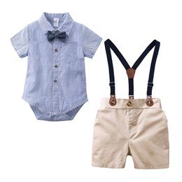$enCountryForm.capitalKeyWord Australia - Toddler Baby Boys Gentleman Suits Polo Collar Bow Tie Rompers Tatting Cotton Fabric Tees with Overalls Pants 2 pieces Children Clothing Set
