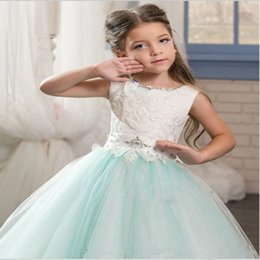 Green Ribbon Bows Australia - 2019 Flower Girl Dresses Off the Shoulder Half Sleeves Lace Appliqued Girls Pageant Dresses Bow Ribbon Kids Formal Wear Girls Party Dresses