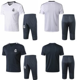 Real Madrid Futebol treino 18 19 conjuntos de treino de futebol de manga curta dos homens dos esportes jerseys 3/4 calças de qualidade thai futebol define ternos em Promoção