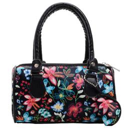 $enCountryForm.capitalKeyWord NZ - New Elegant Shoulder Bag Women Wild Simple Messenger Bag For Girls Fashion Embroidered Flowers Handbag Tote Ladies Purse K626