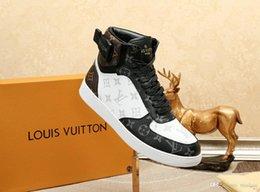 Toptan satış 18FW, MEN'S vulcanize AYAKKABI ERKEKLER İlkbahar Sonbahar En Moda Sneakers Dantel-up Yüksek Stil Katı Renkler Man Ayakkabı tenis masculino LISY1