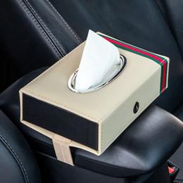 Großhandel Woven Einrückungen Mikrofaser Leder Tissue Box-Halter für Auto-Sitz oder Armlehne mit Straps Auto Dekoration Zubehör