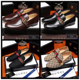 Venta al por mayor de 2020 lujo italiano marca cuero genuino mocasines hombres negocios vestido sin cordones Oxford hombres Chaussure Homme Marque hombres boda zapatos de fiesta