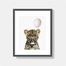 $enCountryForm.capitalKeyWord Australia - The Leopard Is Pulling A White Balloon Minimalist Animal Art Canvas Painting HD on the Wall Picture Poster And Print Decorative Home Decor