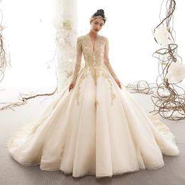 7910b9206f524 French Wedding Garment 2019 New Retro Hepburn Slim Bride Wedding Dress Long  Tail Simple Pregnant Women