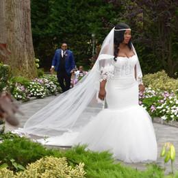 Wholesale 2020 African Plus Size Off Shoulder Wedding Dresses Lace Tulle Beaded Sexy Bridal Gowns robes de mariée Appliques
