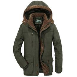 Venta al por mayor de Nuevo Winter Parka Hombres Windbreaker Plus Velvet Abrigos con capucha calientes Hombres Espesar Fleece Chaquetas de algodón Tamaño 5XL 6XL Abrigo