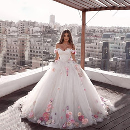 Simple white engagement dreSS online shopping - 2020 Beautiful Off the shoulder Princess Long Weeding Dresses Engagement Dresses A Line Hand Made Flowers Tulle Brides Dresses Plus Size