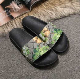 $enCountryForm.capitalKeyWord Australia - Rubber slide sandal Floral brocade men slipper Gear bottoms Flip Flops women striped Beach causal slipper US4.5-12 102