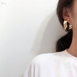 earrings for girls gold designs 2019 - AOMU Korea Unique Design Metal Gold Stud Earrings Circle Twisty Earrings For Women Girls Fashion Party Ear Jewelry Acces
