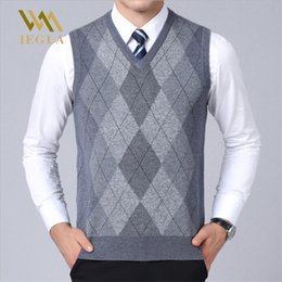 Wholesale mens sleeveless pullovers resale online - Mens Sweater Vest Casual Plaid Sleeveless Male Sweaters V Neck Knitted Cashmere Pullover for Winter Sueter Hombre Coats
