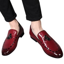 $enCountryForm.capitalKeyWord Australia - 2019 Men Casual shoes breathable Leather Loafers Office Shoes Men Retro Slip-On Leather Pointed Suit Tassel
