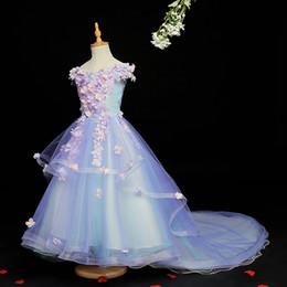 $enCountryForm.capitalKeyWord Australia - 2019 Beautiful Pink Blue Flower Girls Dresses for Wedding 3D Flowers Girls Pageant Gowns for Kids Long Train Wedding Party Robes de fête