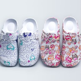 $enCountryForm.capitalKeyWord Australia - 2018 Spring New Women's Surgical Clogs EVA Fancy Print Light Weight Doctor Closed Toe Slippers Shoes Clean Room