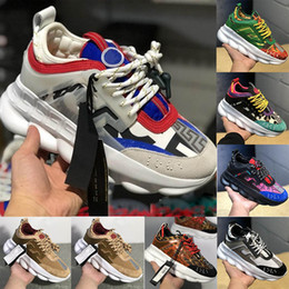 Ladies pink running shoes online shopping - New Luxury Designer Sneakers Chain Reaction Casual Ladies Shoes Mens Womens Fashion District Medusa Link Embossed Sole Trainers