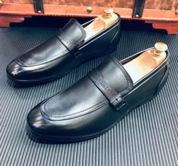 Cowhide Dress Shoes NZ - 2019 spring men dress shoes Second layer cowhide zapatos de novio black belt buckle loafers men Doug shoes 868