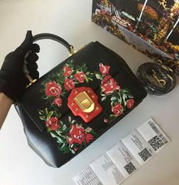 $enCountryForm.capitalKeyWord Australia - New designer luxury handbags purses black genuine cow leather totes red flowers printed crossbody bag brand ladies shoulder bags 26*19*11cm