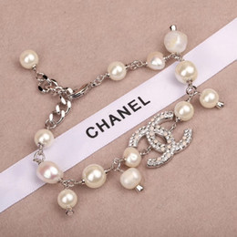 Beautiful star online shopping - Designer letter luxury bracelet with box white pearl collocation full diamond letter fashion beautiful Zbd0091