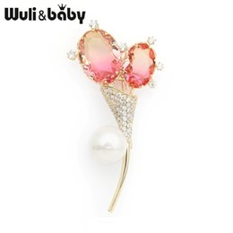 Wholesale Wuli amp baby Simulated Pearl Double Balloon Flower Brooches Pink Crystal Weddings Banquet Brooch Pins New Year s Gifts