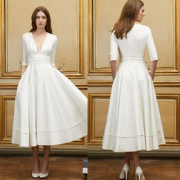 $enCountryForm.capitalKeyWord Australia - vestido de noiva Elegant Vintage Tea Length Mini Short Wedding Dresses A Line V Neck Satin Short Beach Country Bridal Gowns Custom