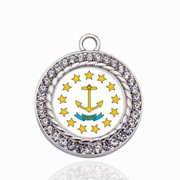 $enCountryForm.capitalKeyWord Australia - Rhode Island Flag Circle Charm Copper Pendant For Necklace Bracelet Connector Women Gift Jewelry Accessories