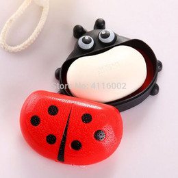 wholesale cartoon soaps Australia - Hot sale 120pcs Cartoon Ladybug Portable Soap Dishes With Cover Soap Box Case Holder Bathroom Accessories