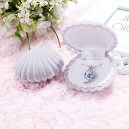 Discount velvet jewelry pouch bag - Jewlry Display Box Gift Cute Packages Ring Shell Shape Jewelry Earrings Lovely Case Velvet Necklace Treasure Storage Cas
