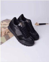 Venta al por mayor de Diseñador Mujer Entrenadores Zapatillas de deporte de alta calidad Botines de tacón Sandalias Zapatillas Diapositivas Mocasines kx164