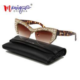 b8b73bbd6 2019 Oversized Strass Cat Eye Sunglasses Mulheres Sexy de Luxo de Cristal  Óculos de Sol para o Sexo Feminino Gradiente lente leopardo pernas UV400