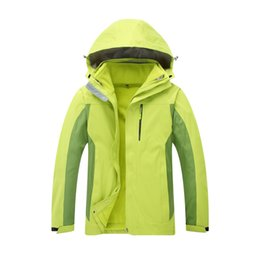 Wholesale mens travel jackets resale online – Custom Logo Outdoor Climbing Travel Jackets Mens And Womens Universal Three in One Warm Removable Jacket