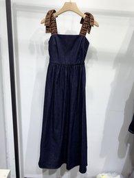 2020 Senza Maniche A Pannelli Scava Fuori La Lettera Milan Runway Dress Designer Dress Marca Stesso Vestito Da Stile 0422-3 in Offerta