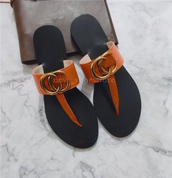 Ingrosso Sandali per uomo Infradito Scarpe di lusso per uomo Luxury Summer Sandali larghi e scivolosi Slipper Flip Flop