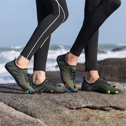 $enCountryForm.capitalKeyWord NZ - 2019 Summer Water Shoes for Men Women Beach Sneakers Sports Shoes Outdoor Swimming On-surf Gym Yoga Fitness Mesh Aqua Shoes