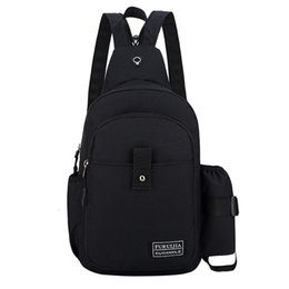 China 2019 New Fashion Messenger Travel Crossbody Bag Totes Handbags Men Oxford Cloth Chest Bag Wild Small Fashion Pockets supplier cloth hobo bags suppliers