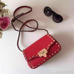 $enCountryForm.capitalKeyWord Australia - European classical style luxury Milan new handbag bag bag made of leather royal banquet ladies bag gem gold decorative rivets