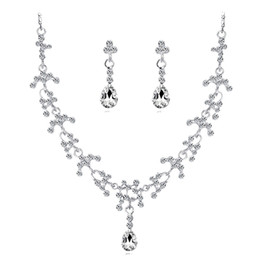 Rhinestones Jewelry Sets UK - European and American hot bride necklace set fashion necklace jewelry necklace earrings crystal bride set ornament