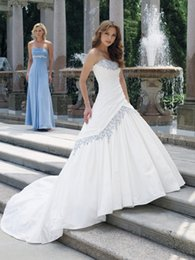 $enCountryForm.capitalKeyWord Australia - Vintage white and Blue Taffeta Wedding Dresses Sweetheart Beaded Embroidery Pleats Corset Back Two Tones Bridal Gowns With Color