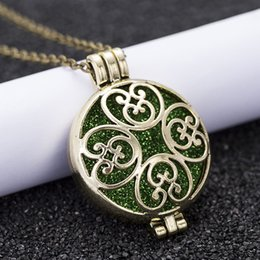$enCountryForm.capitalKeyWord Australia - New Aroma Diffuser Necklace Bronze Color Exquisite Pendant Perfume Oil Small Box To Send A Sequin As A Gift HS25