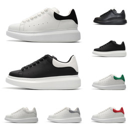 Chinese  New designer shoes for men women fashion platform sneakers triple black white red grey leather suede mens comfortable flat casual shoe manufacturers